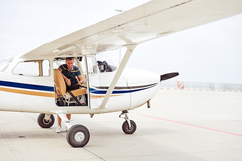 How to Become a Certified Flight Instructor (CFI) Image